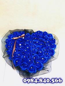 Hộp trái tim meka hoa sáp thơm ...